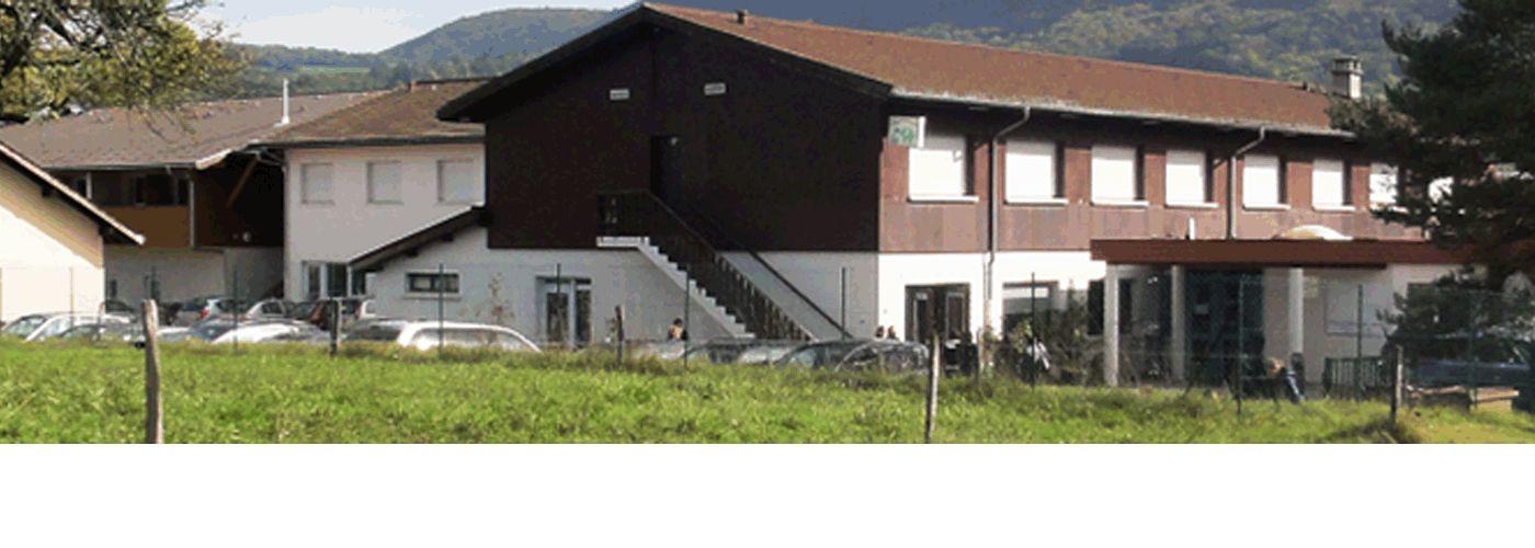 vue de l'extérieur de la MFR de La Catie La Balme de Silloingy